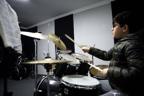 Immagine gratuita di arte, batteria, batterista, musica