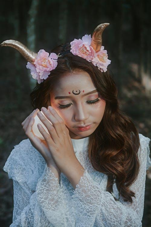 Základová fotografie zdarma na téma bílé šaty, cosplay, hezký, kostým