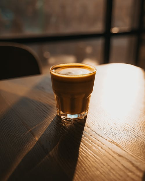 Foto d'estoc gratuïta de beguda, beure, bokeh, cafè