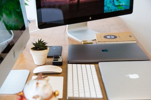 Free stock photo of apple, smartphone, desk, laptop