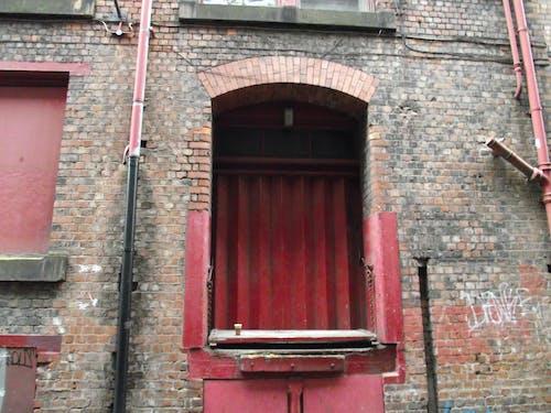 Free stock photo of city, loading door