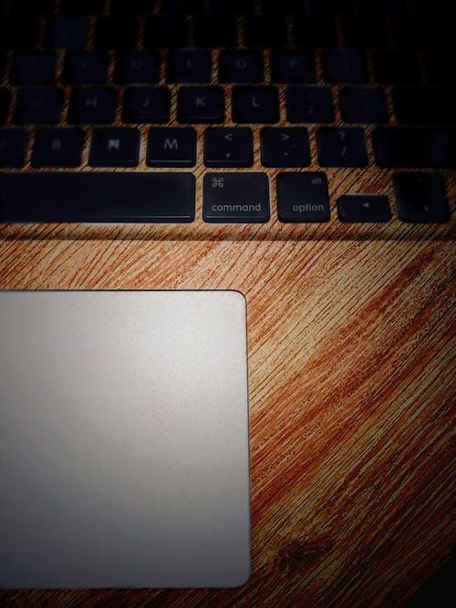 キーボード, テクスチャ, トラックパッド, ノートパソコンの無料の写真素材