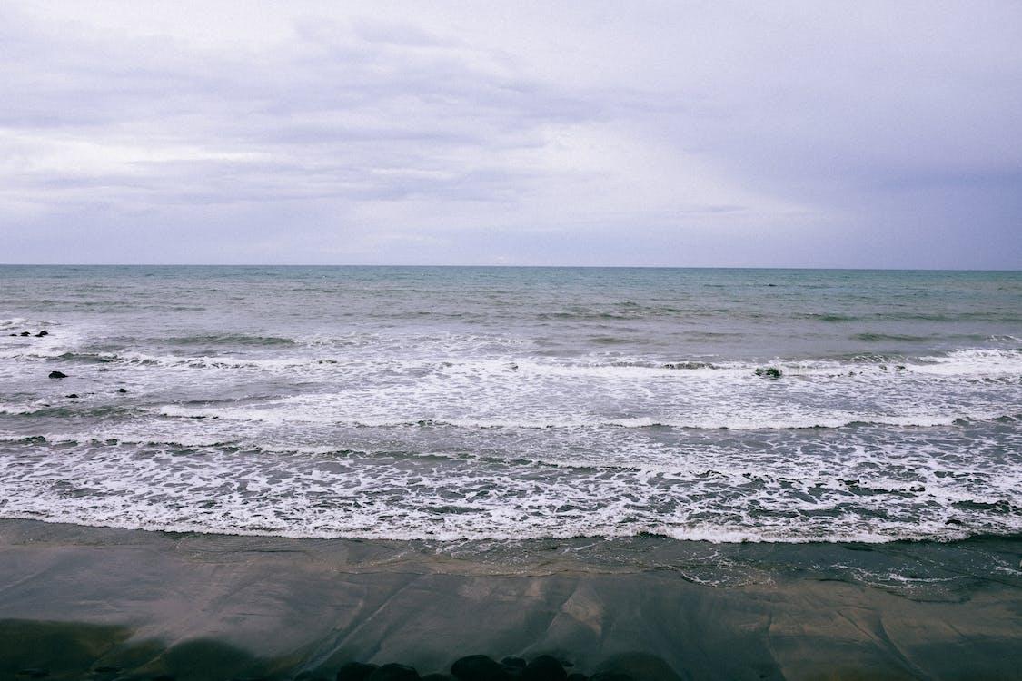 Ocean Waves Crashing on Shore