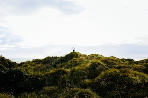 Foto stok gratis awan, bukit, di luar rumah, gunung