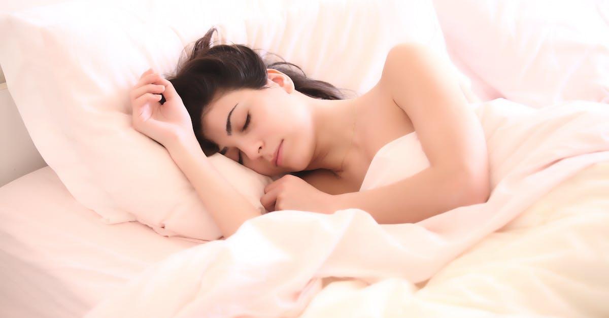 На кровати голая жена — photo 5