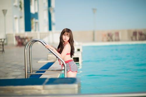 Kostenloses Stock Foto zu asiatin, asiatische frau, bikini, erholung