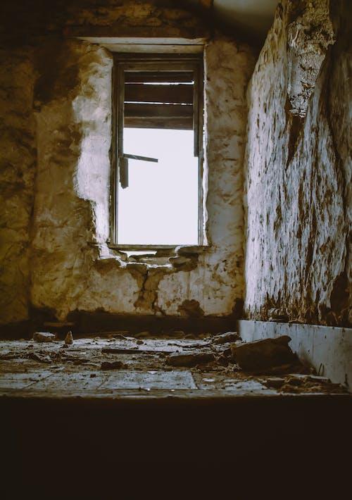 Foto d'estoc gratuïta de abandonat, arquitectura, brut, buit