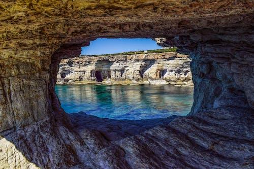 Foto profissional grátis de abismo, adega, água, beira-mar