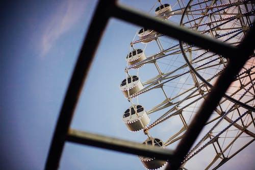 Fotobanka sbezplatnými fotkami na tému jazdy, karneval, kolesá, obrie koleso