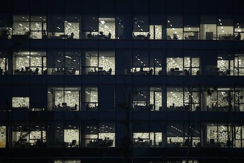 Fotos de stock gratuitas de adicto al trabajo, edificio de apartamentos, oficina moderna