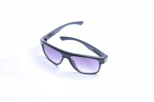 Black Framed Wayfarer-style Sunglasses