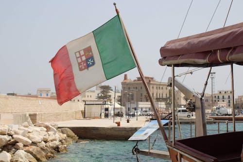 Free stock photo of boat, flag, italia