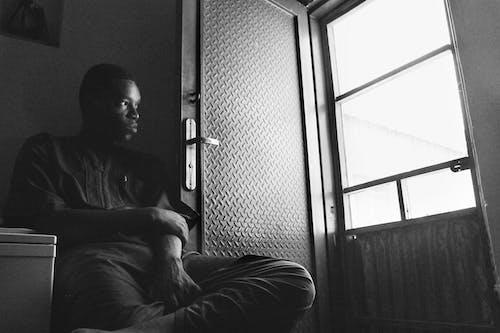 Безкоштовне стокове фото на тему «Африканський, дивитися вбік, дивиться, нігерієць»