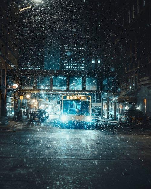 Ingyenes stockfotó busz, éjszaka, fények témában
