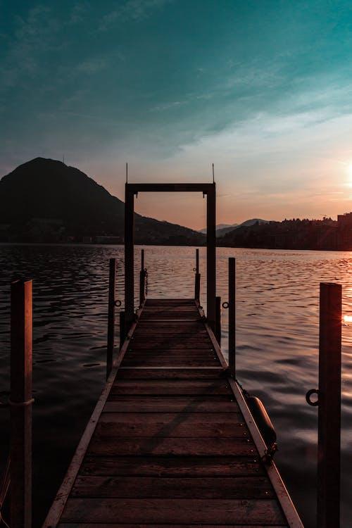 Foto d'estoc gratuïta de a l'aire lliure, aigua, aventura, blau