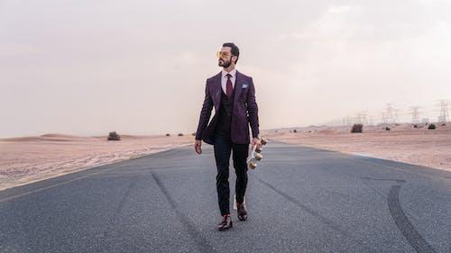 Darmowe zdjęcie z galerii z asfalt, autostrada, chodzenie, droga