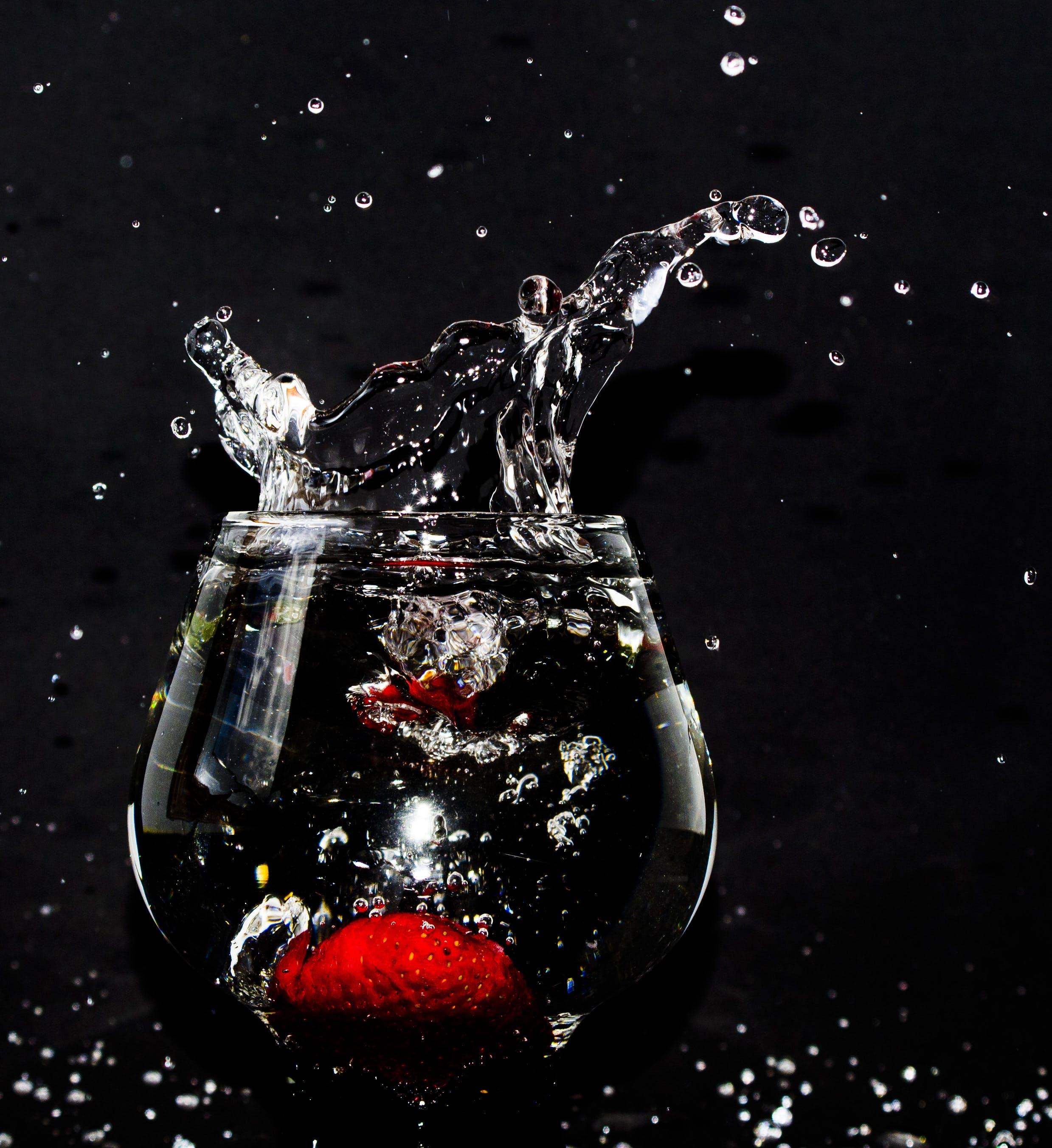 black background, bubble, clean