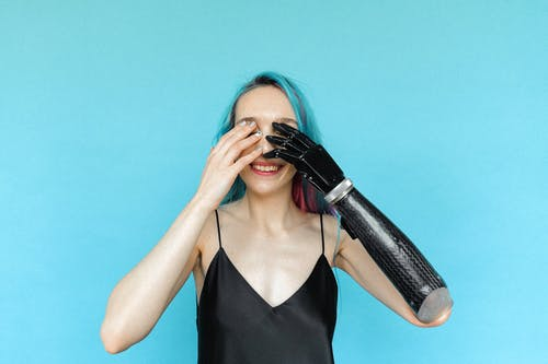 Základová fotografie zdarma na téma amputace, barevné vlasy, krytina, postižení
