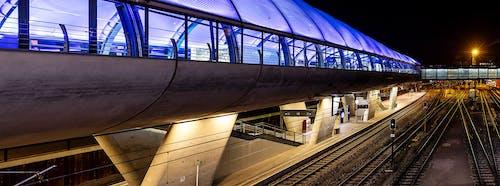 交通系統, 光, 建造, 晚上 的 免費圖庫相片