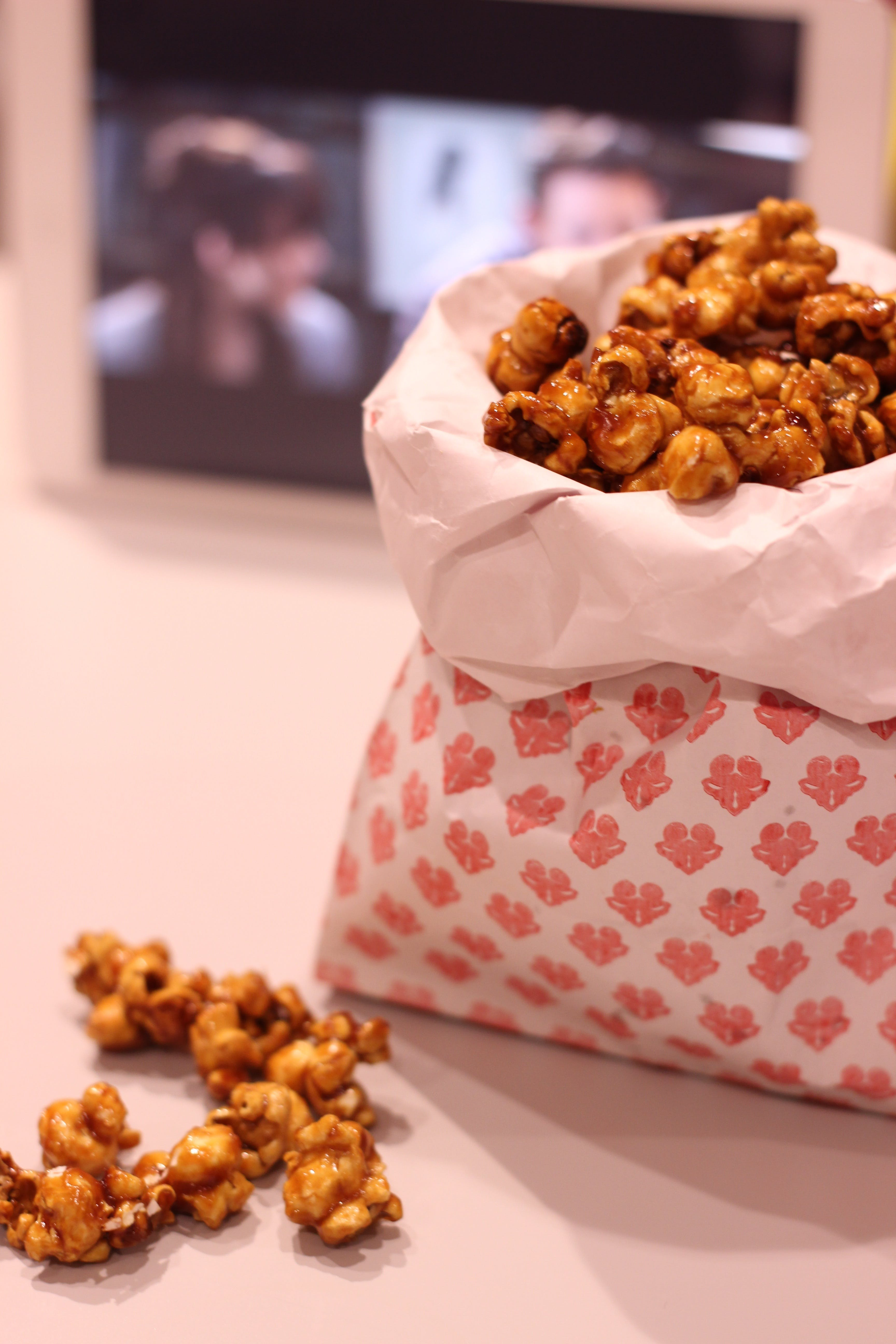 Popcorn Near White Smartphone