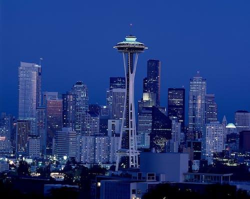 Gratis stockfoto met architectuur, attractie, avond, enorme stad