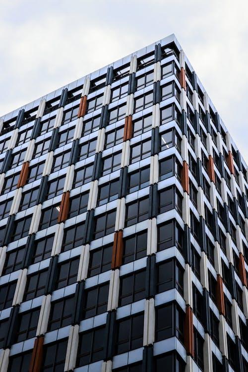 Kostenloses Stock Foto zu abstrakt, architektur, architektur-design, aufnahme von unten