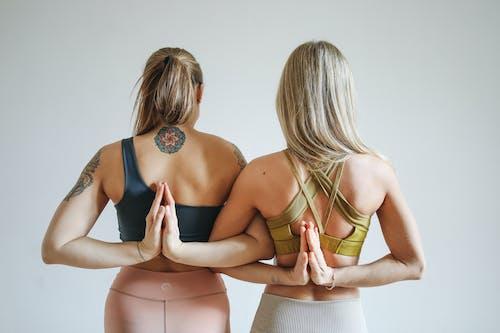 Δωρεάν στοκ φωτογραφιών με άσκηση, γιόγκα, γυναίκες, εκπαιδευτής γιόγκα