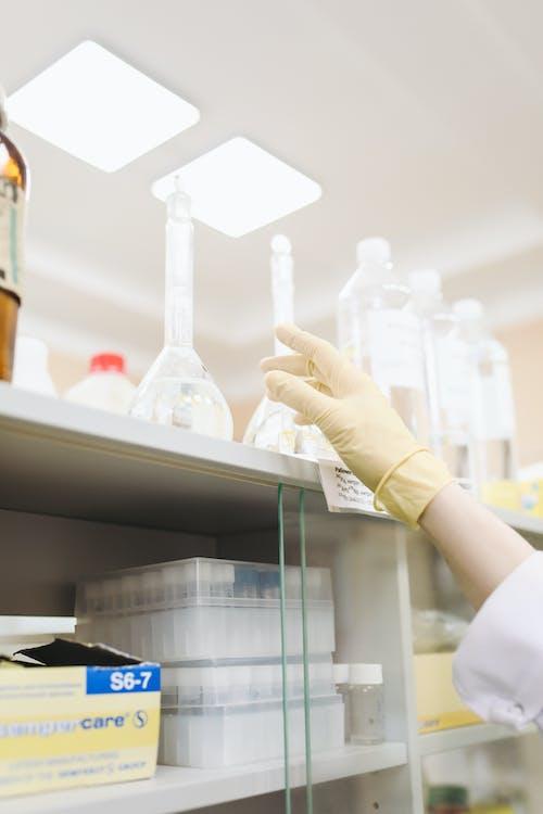 Gratis lagerfoto af bæger, farmaceut, farmakologi, forskning