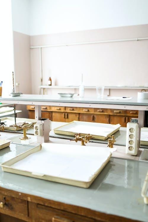 Darmowe zdjęcie z galerii z badania, chemia, edukacja, laboratorium