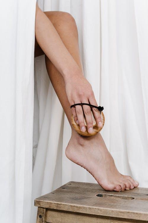 Kostenloses Stock Foto zu bambus, beauty-produkt, bein, fuß