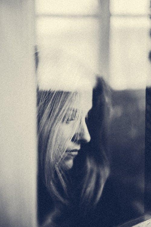 Immagine gratuita di bianco e nero, biondo, bw, capelli