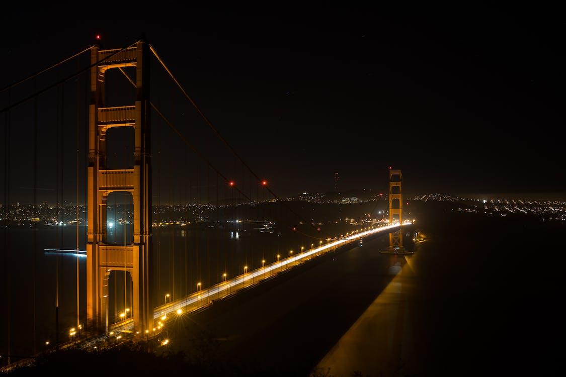 城市, 城市的燈光, 基礎設施
