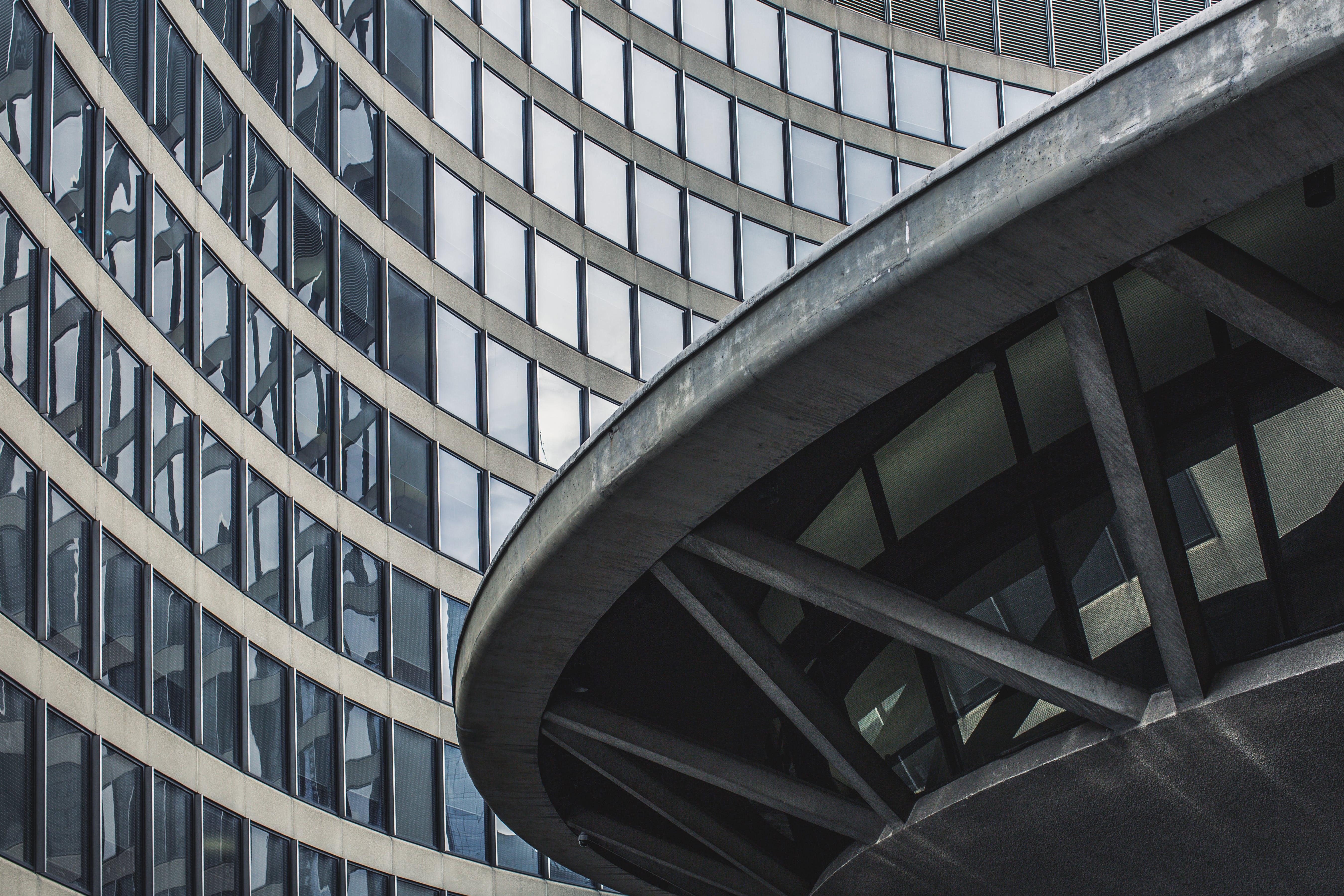Foto profissional grátis de aparência, arquitetura, arranha-céu, artigos de vidro