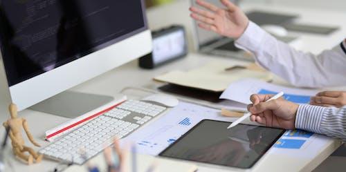 Imagine de stoc gratuită din afaceri, arată cu degetul, brainstorming, business