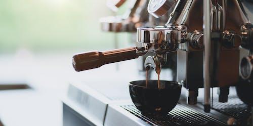 Process of preparing coffee in coffee shop
