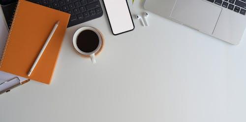 Foto stok gratis alat, alat tulis, atas, belajar