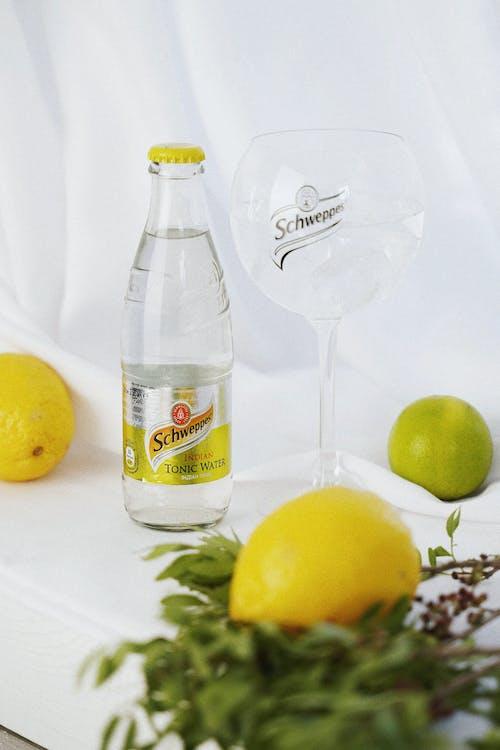 Бесплатное стоковое фото с h2o, бокал для коктейля, бокалы для коктейля, вкус
