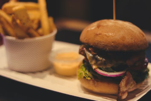 Fotos de stock gratuitas de comida, fríe, hamburguesa, hamburguesa con queso