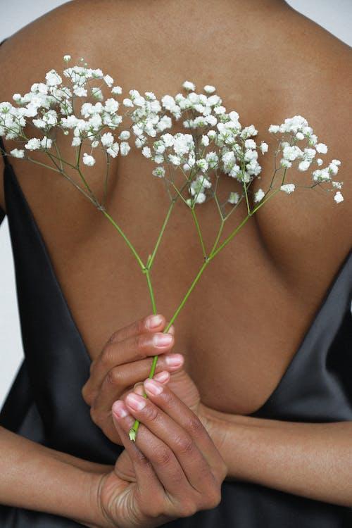Immagine gratuita di da solo, donna, donna africana, donna afro-americana