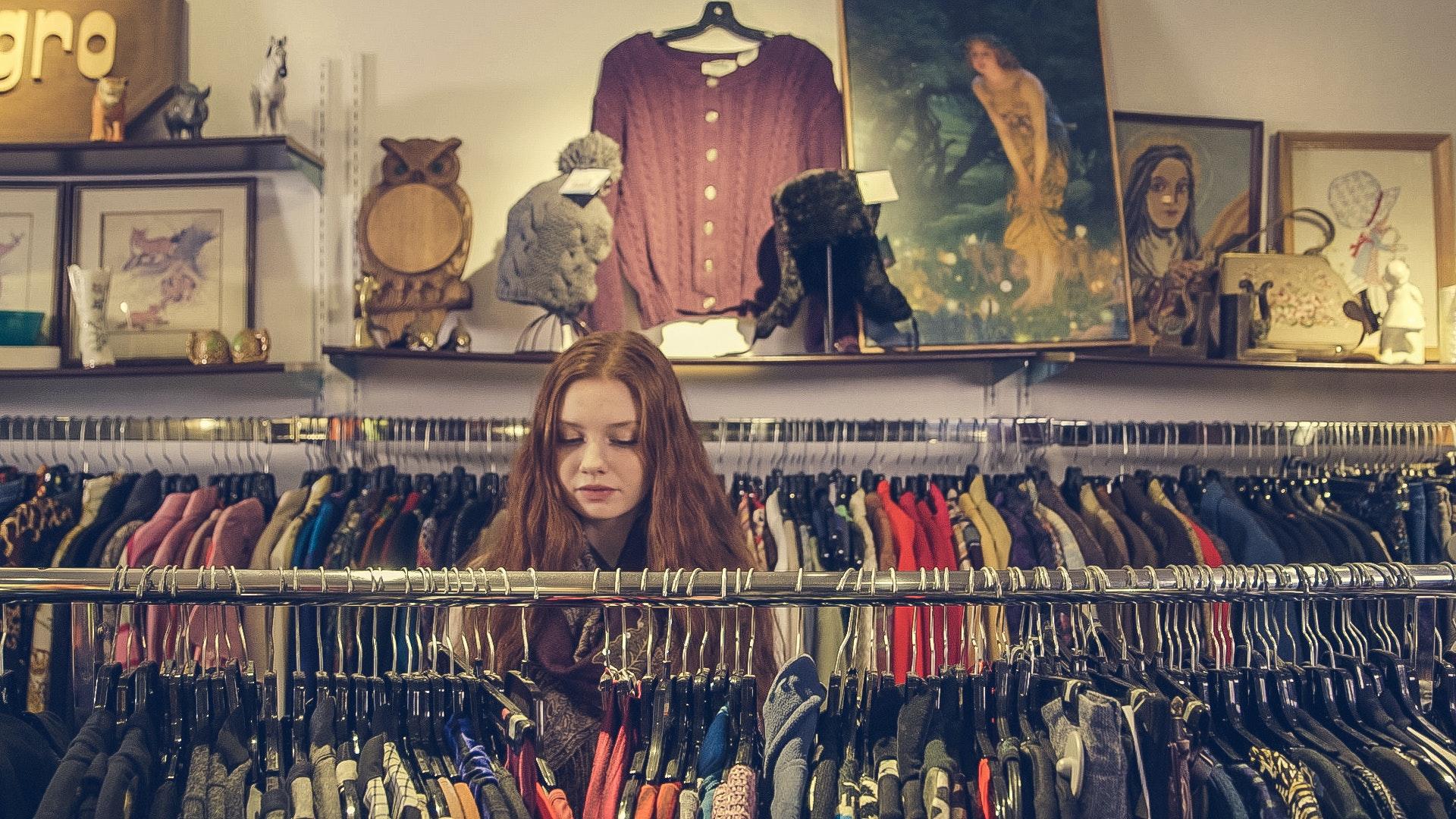 c5ca1bbcc51 500+ Great Clothes Photos · Pexels · Free Stock Photos