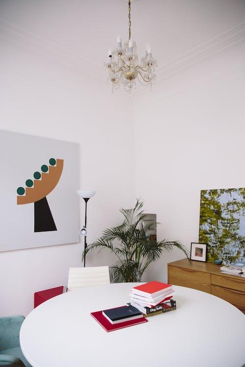 Gratis stockfoto met binnen, binnenshuis, binnenshuis interieur, boeken