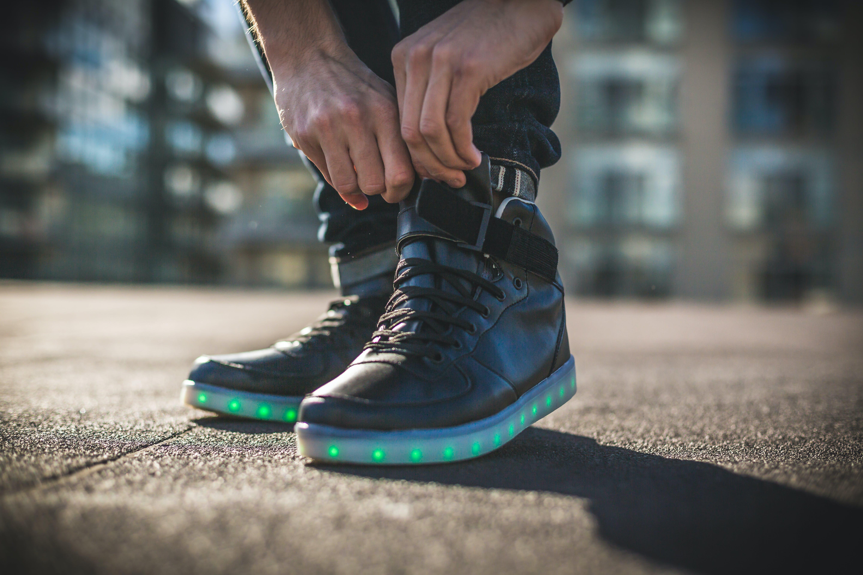 Gratis lagerfoto af dagslys, fodtøj, fødder, gade