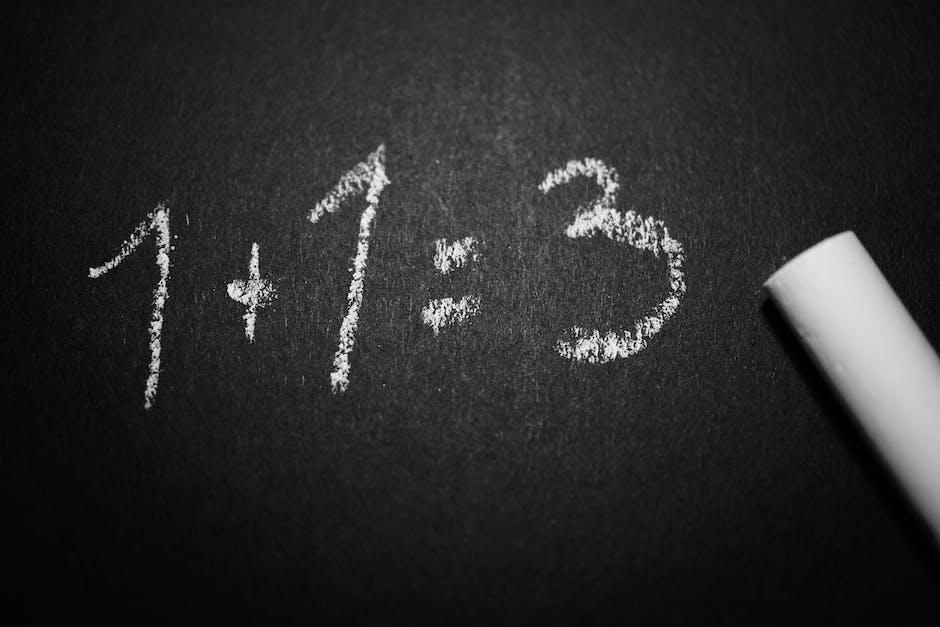 Daripada hanya menghitung di papan, ajak anak bermain suit matematika agar dia makin mengerti penjumlahan. (Foto: Pexels)