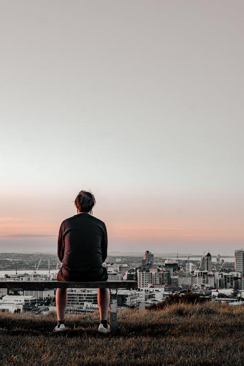 Δωρεάν στοκ φωτογραφιών με city vibes, άνδρας, αυγή, δύση του ηλίου
