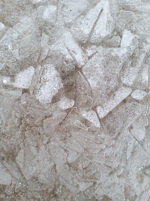 Derretendo Gelo Fino E Transparente E Neve