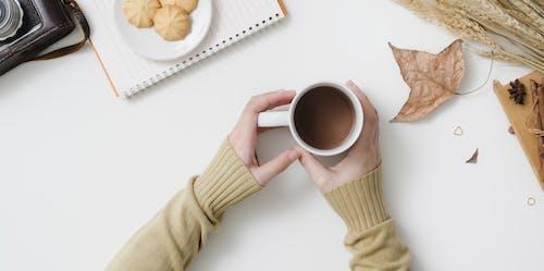 Foto profissional grátis de bebida, bebida quente, café, caneca