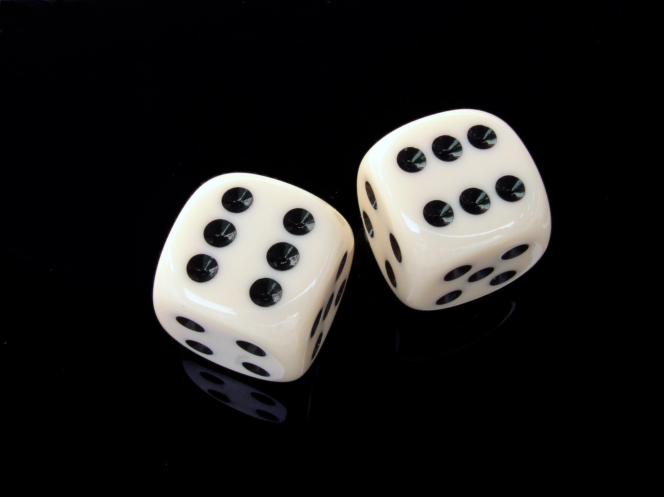apostar, blanc i negre, cub