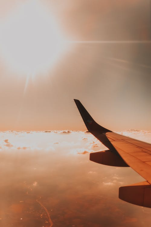 Foto d'estoc gratuïta de a l'aire lliure, aerolínia, aire, ala