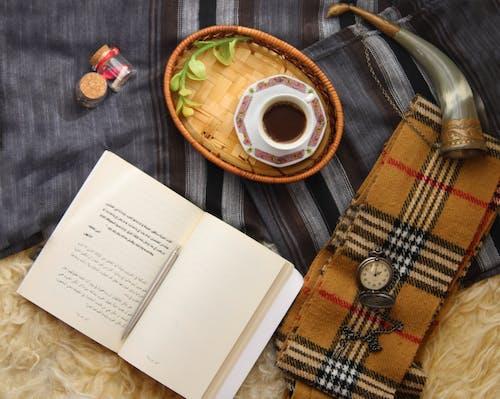 Imagine de stoc gratuită din cafea, carte, cenușiu, deasupra