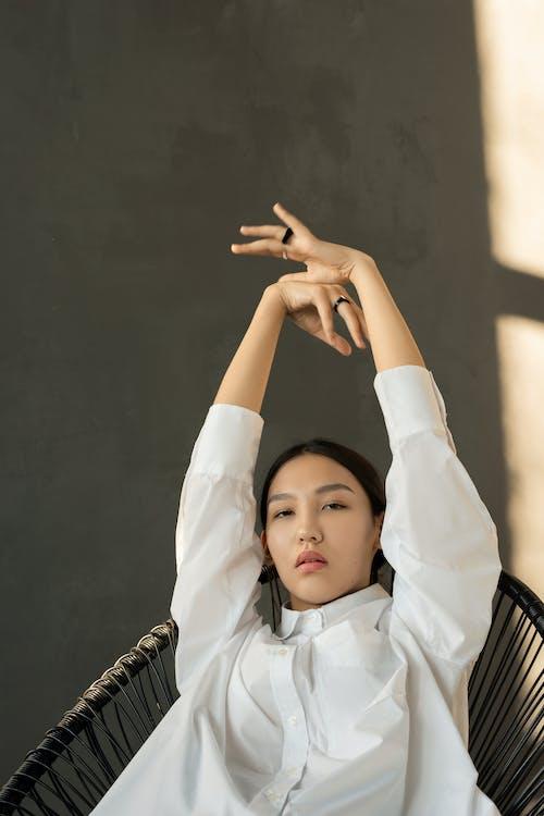 Imagine de stoc gratuită din brațele ridicate, canvacustombrief, femeie, femeie asiatică